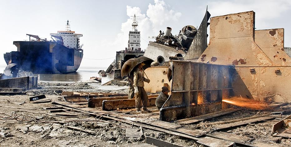 Резка корабля на металлолом